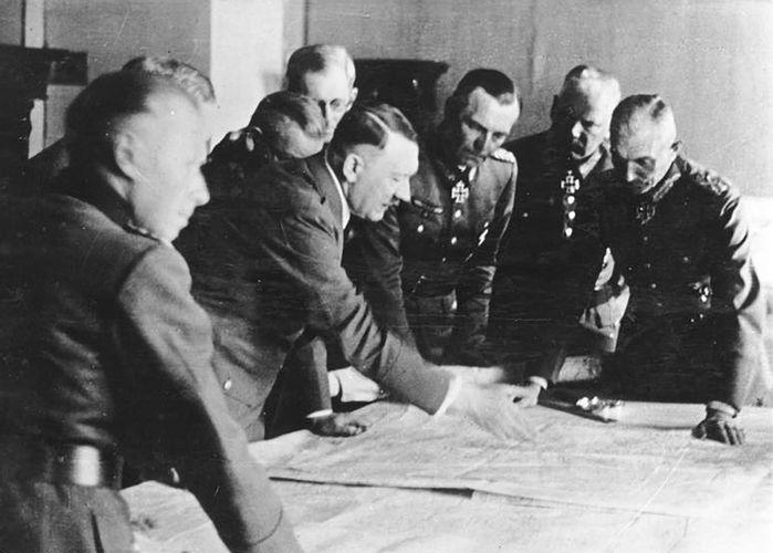 Germany: Development of a Dictatorship, 1918–45